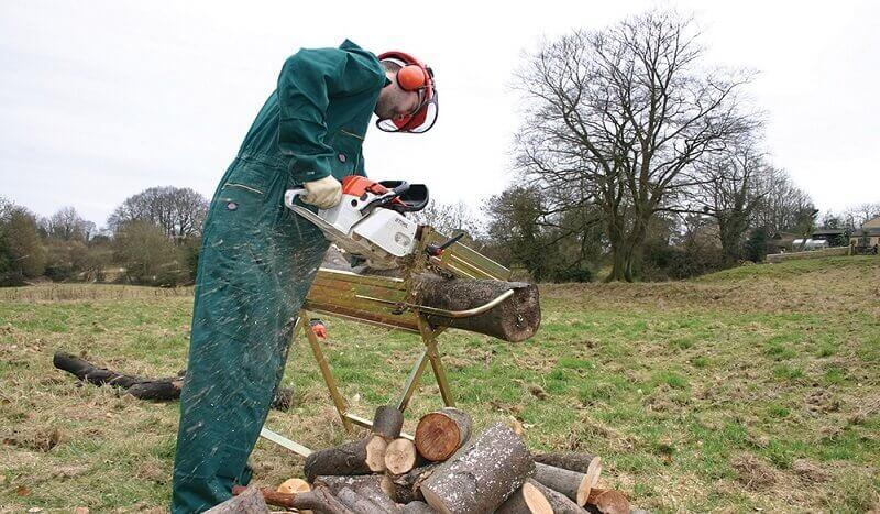 Cavalletto per taglio legna